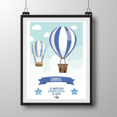 Navneplakat med luftballoner i blå nuancer