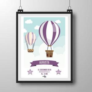 Navneplakat med luftballoner i lilla nuancer