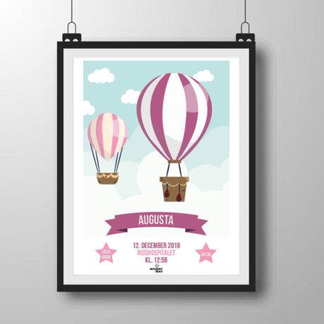 Navneplakat med luftballoner i lyserøde nuancer
